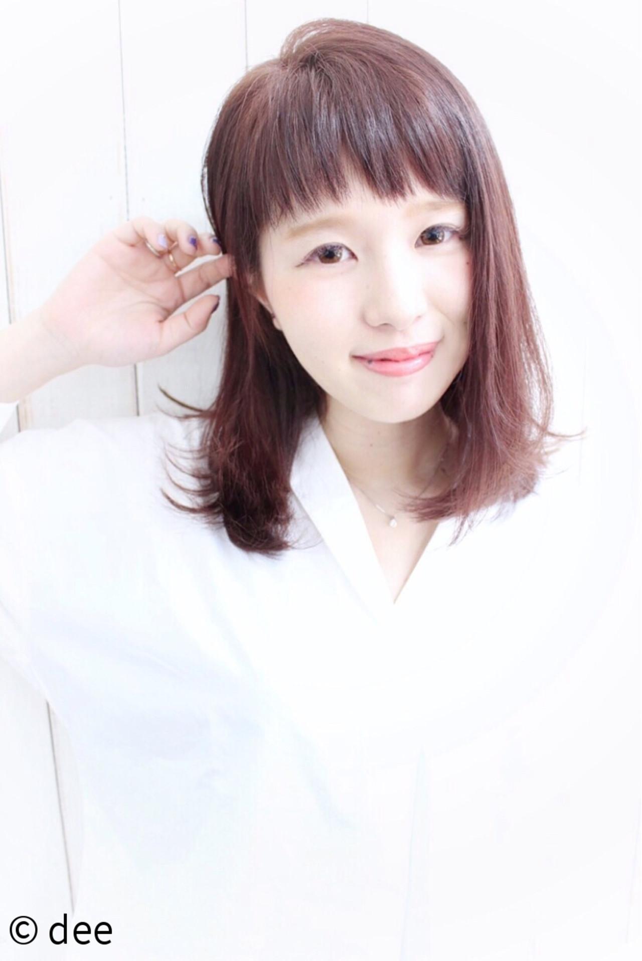 ミディアム ロブ ベリーピンク ピンク ヘアスタイルや髪型の写真・画像   dee / dee