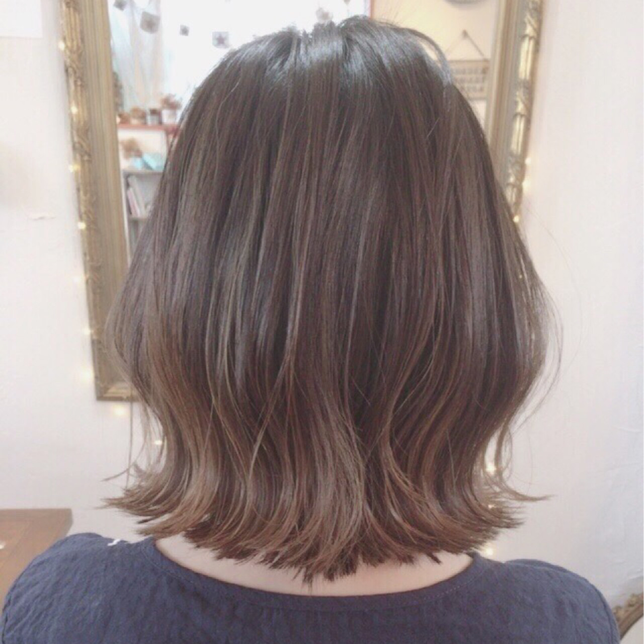 グレージュ インナーカラー ボブ ブリーチヘアスタイルや髪型の写真・画像