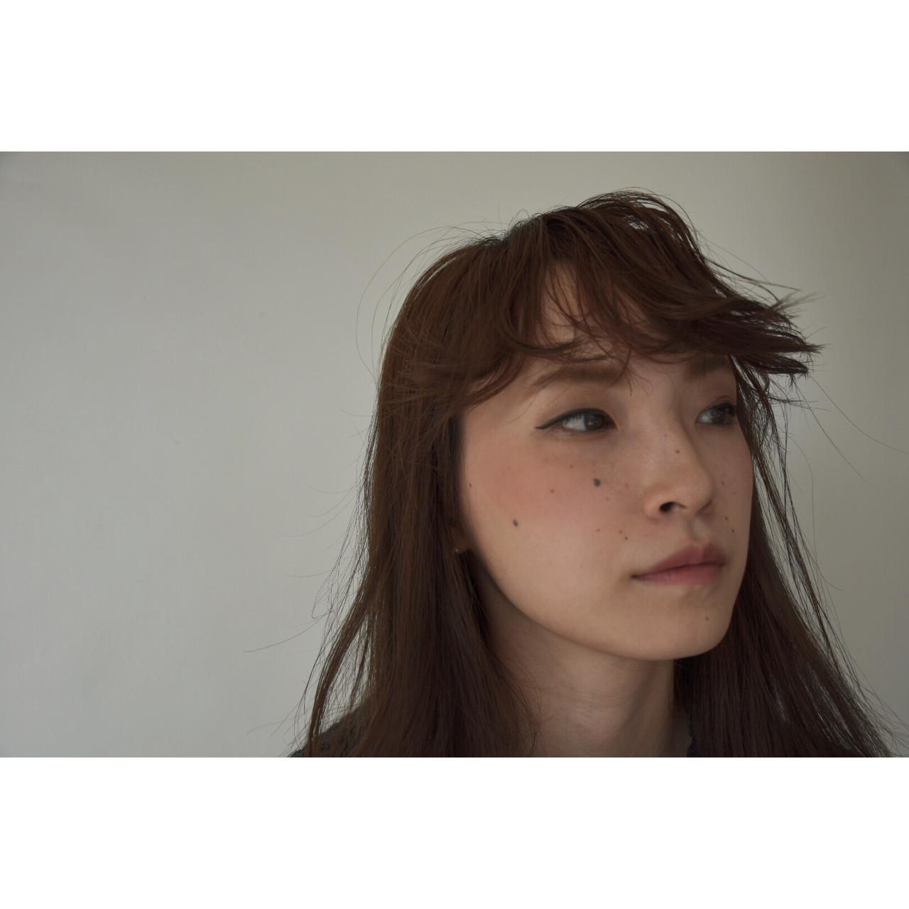 アッシュ 黒髪 パーマ セミロングヘアスタイルや髪型の写真・画像