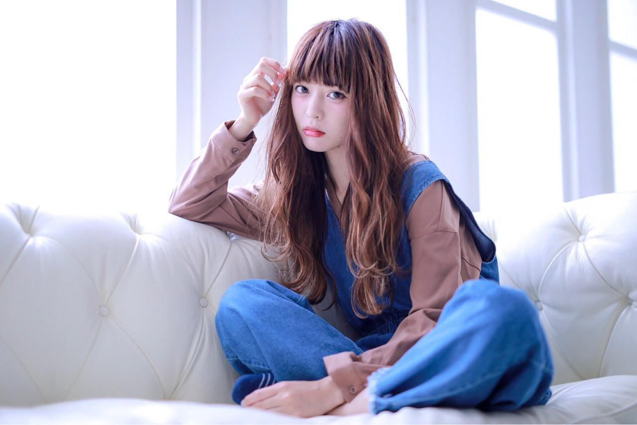 グラデーションカラー ウェットヘア 外ハネ 巻き髪 ヘアスタイルや髪型の写真・画像 | Yoshihiko Matsumiya / JERICHO HAIR