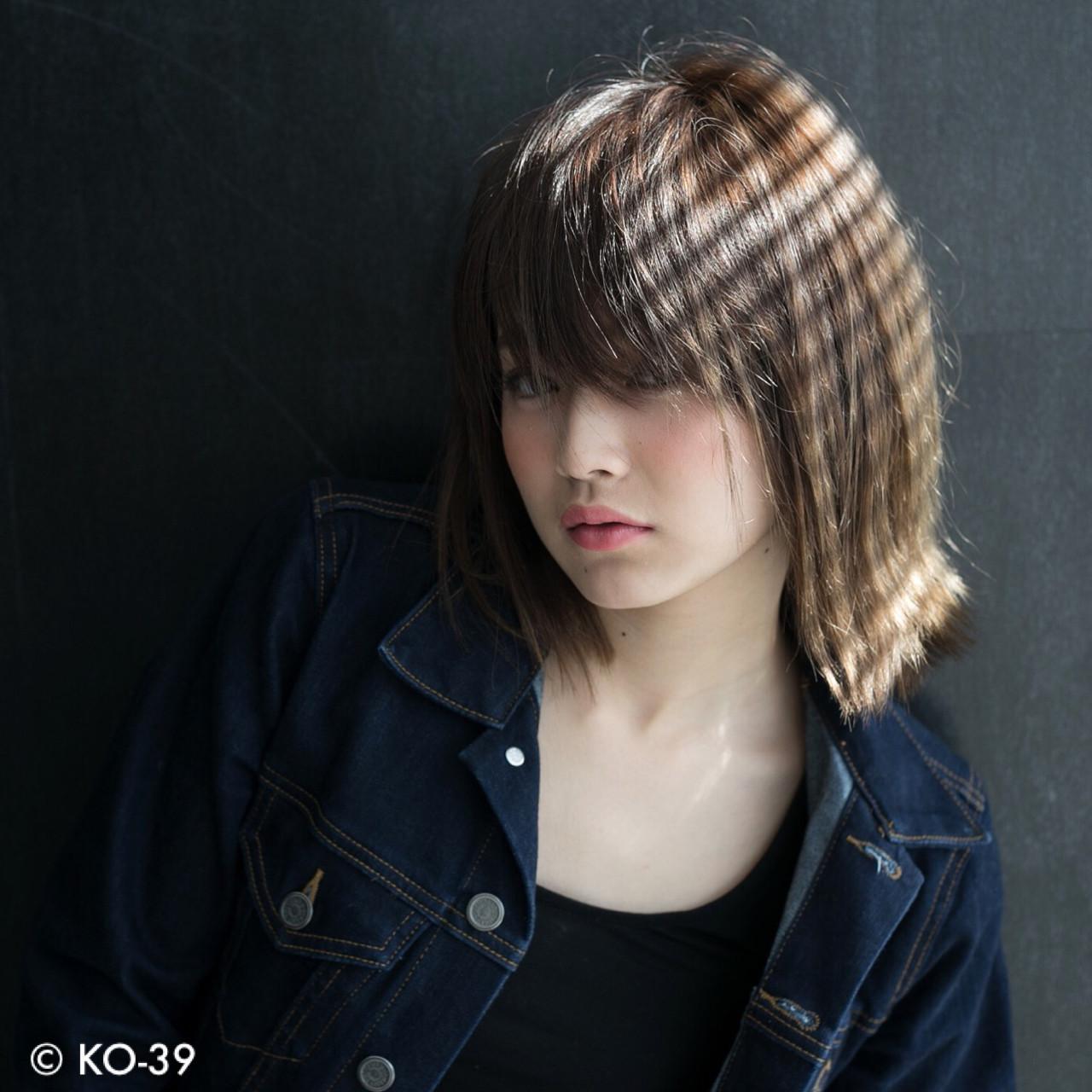 うざバング アッシュ エフォートレス 大人女子ヘアスタイルや髪型の写真・画像