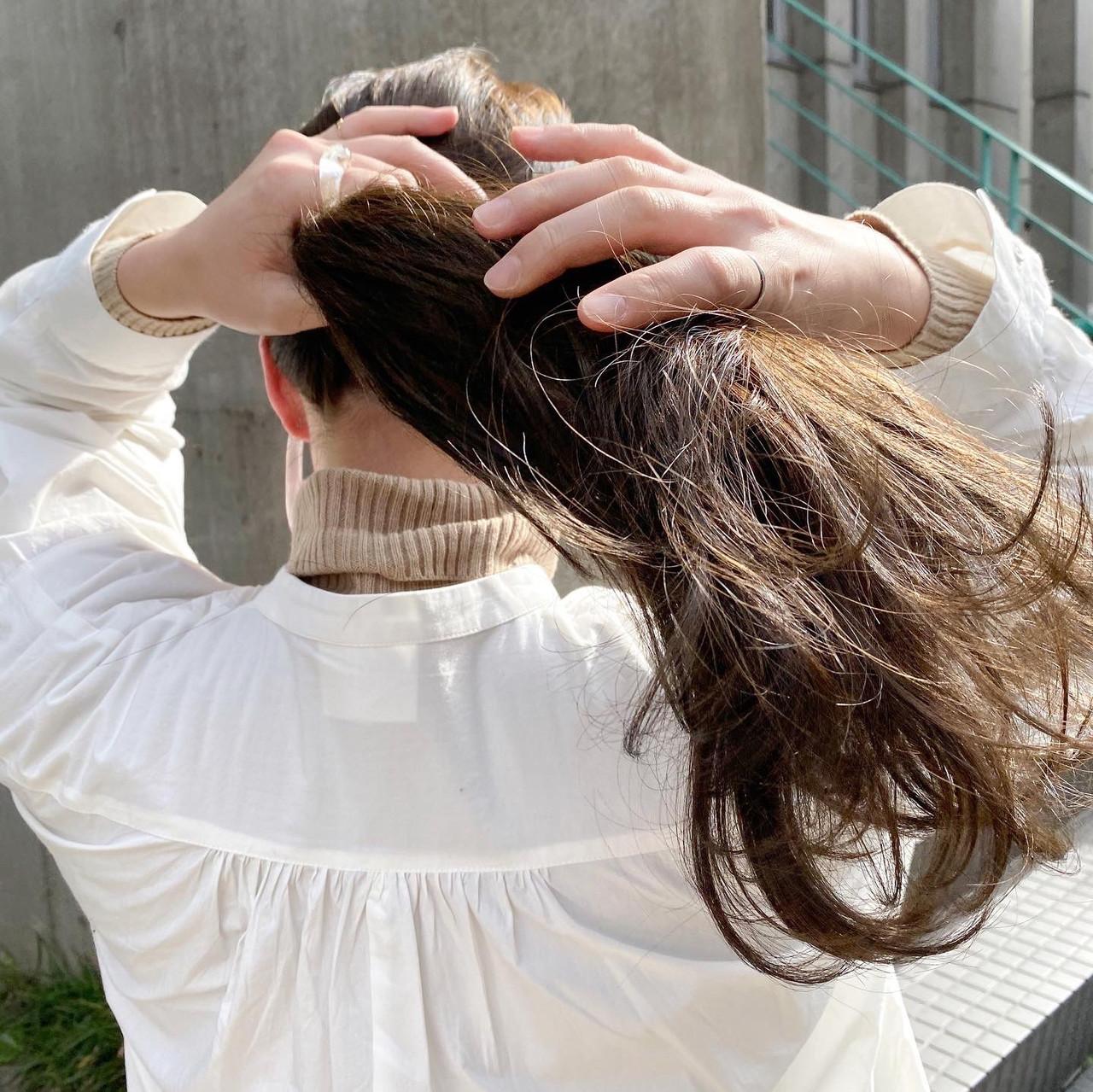 透明感カラー くすみカラー ヘアアレンジ ナチュラルヘアスタイルや髪型の写真・画像
