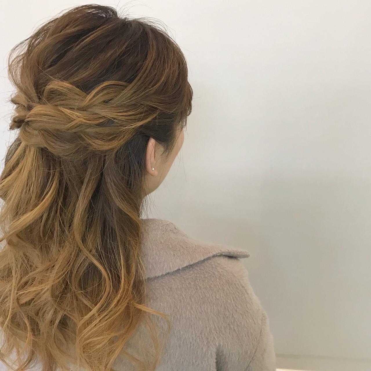 ナチュラル オフィス ミディアム 簡単ヘアアレンジヘアスタイルや髪型の写真・画像