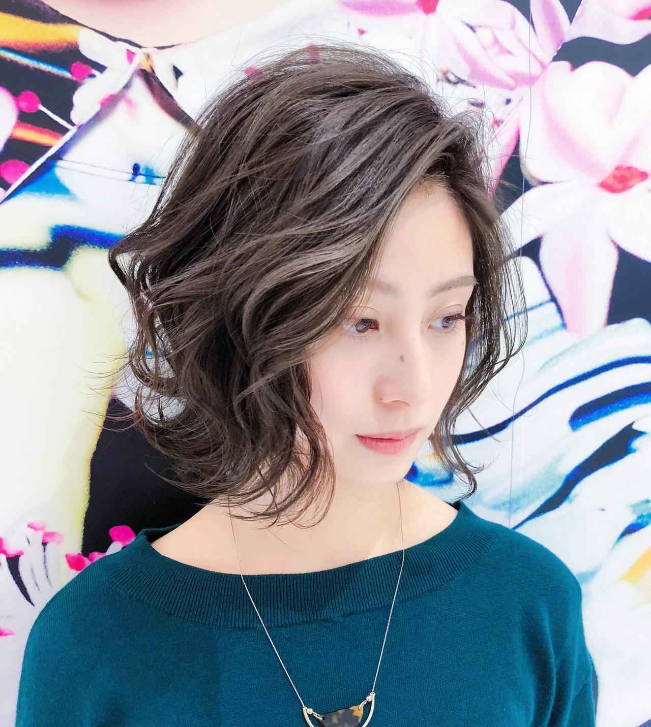 小顔 かき上げ前髪 大人かわいい フェミニン ヘアスタイルや髪型の写真・画像   趙 英来 (よん) / nex
