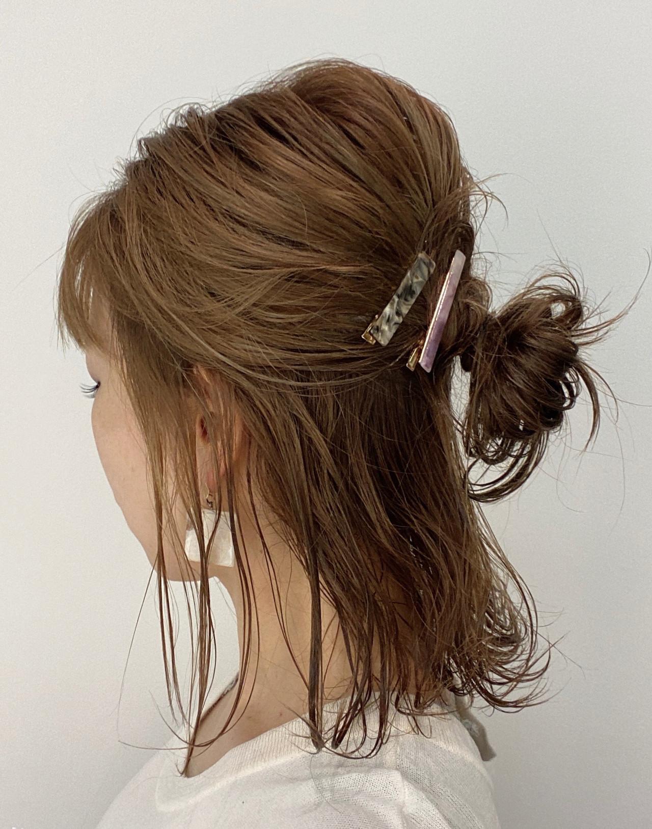 簡単ヘアアレンジ おだんご ハーフアップ ミディアム ヘアスタイルや髪型の写真・画像