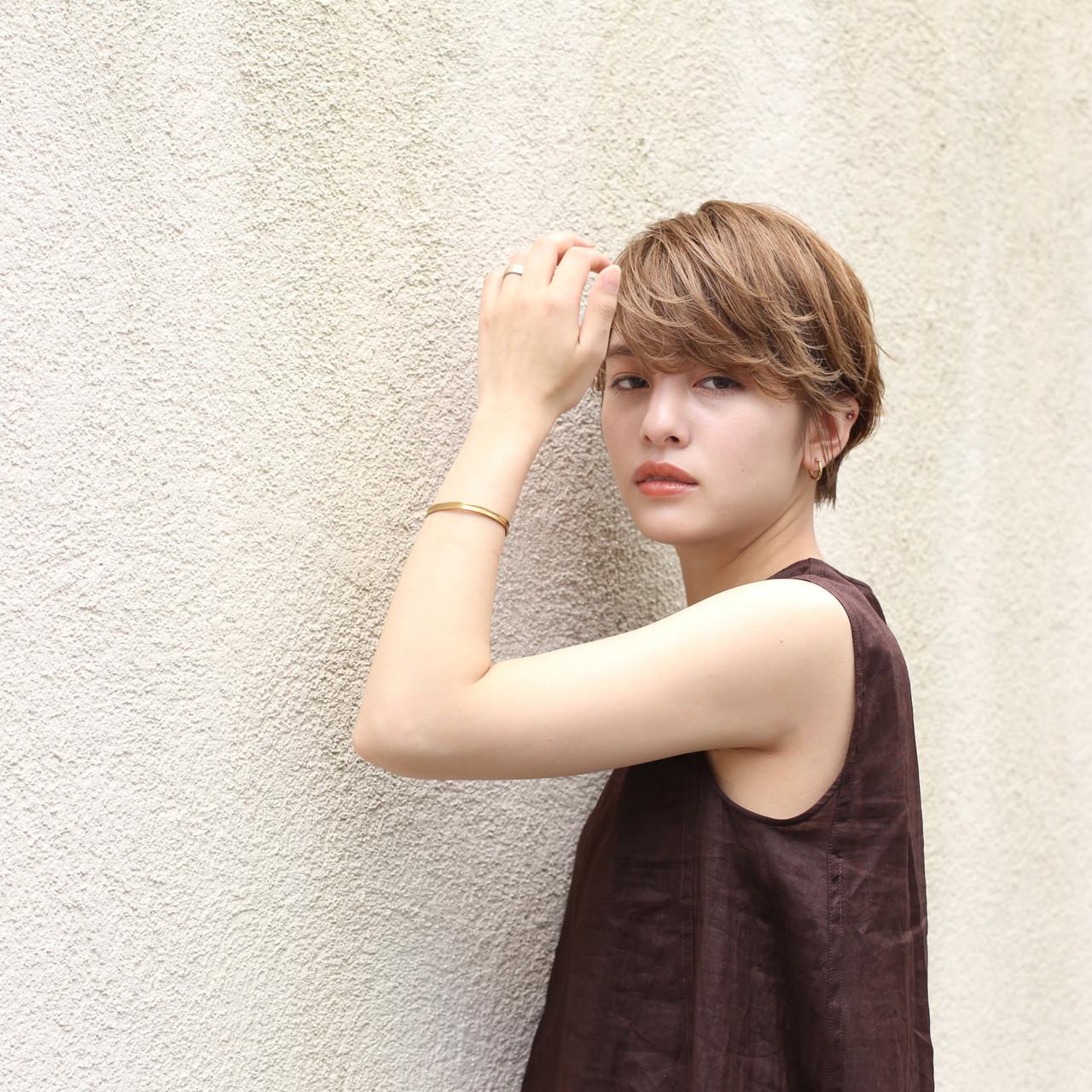 デート 簡単ヘアアレンジ ナチュラル ハンサムショート ヘアスタイルや髪型の写真・画像   ade omotesando YUKA / ade omotesando