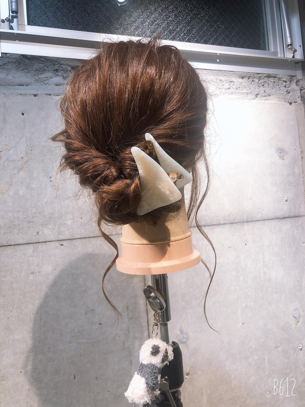 簡単ヘアアレンジ コンサバ ヘアクリップ セルフヘアアレンジ ヘアスタイルや髪型の写真・画像
