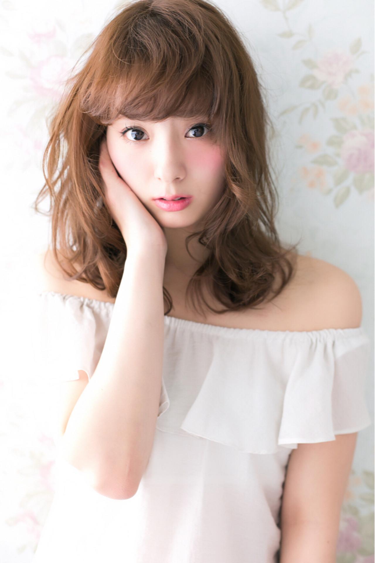 セミロング 小顔 ゆるふわ ナチュラル ヘアスタイルや髪型の写真・画像 | Ryuho / STELLA sannomiya
