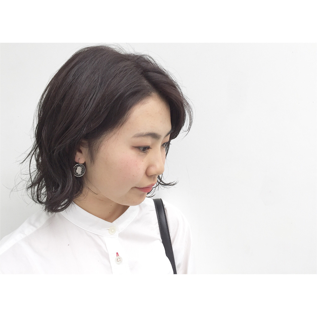 暗髪 ミディアム ナチュラル 外国人風 ヘアスタイルや髪型の写真・画像 | 安達 優生 / U-REALM(ユーレルム)