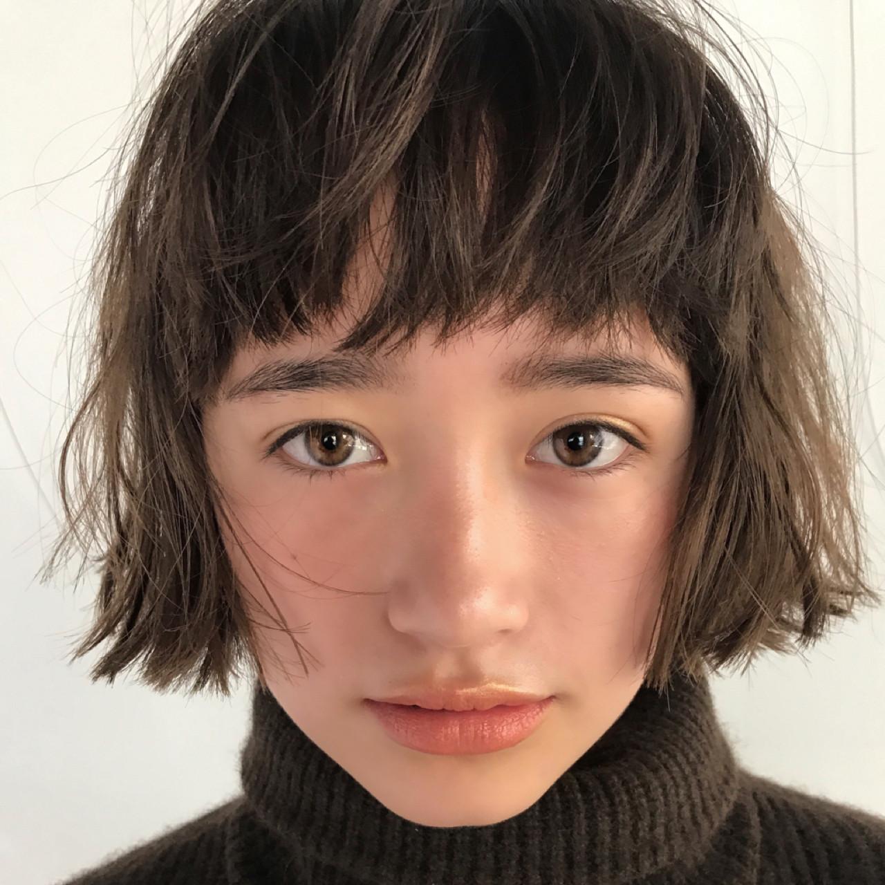 ボブ グレージュ アンニュイほつれヘア ショートヘアスタイルや髪型の写真・画像