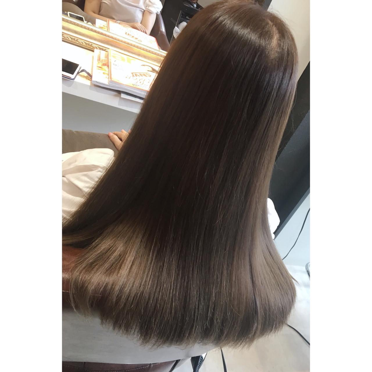 女子会 外国人風 リラックス セミロングヘアスタイルや髪型の写真・画像