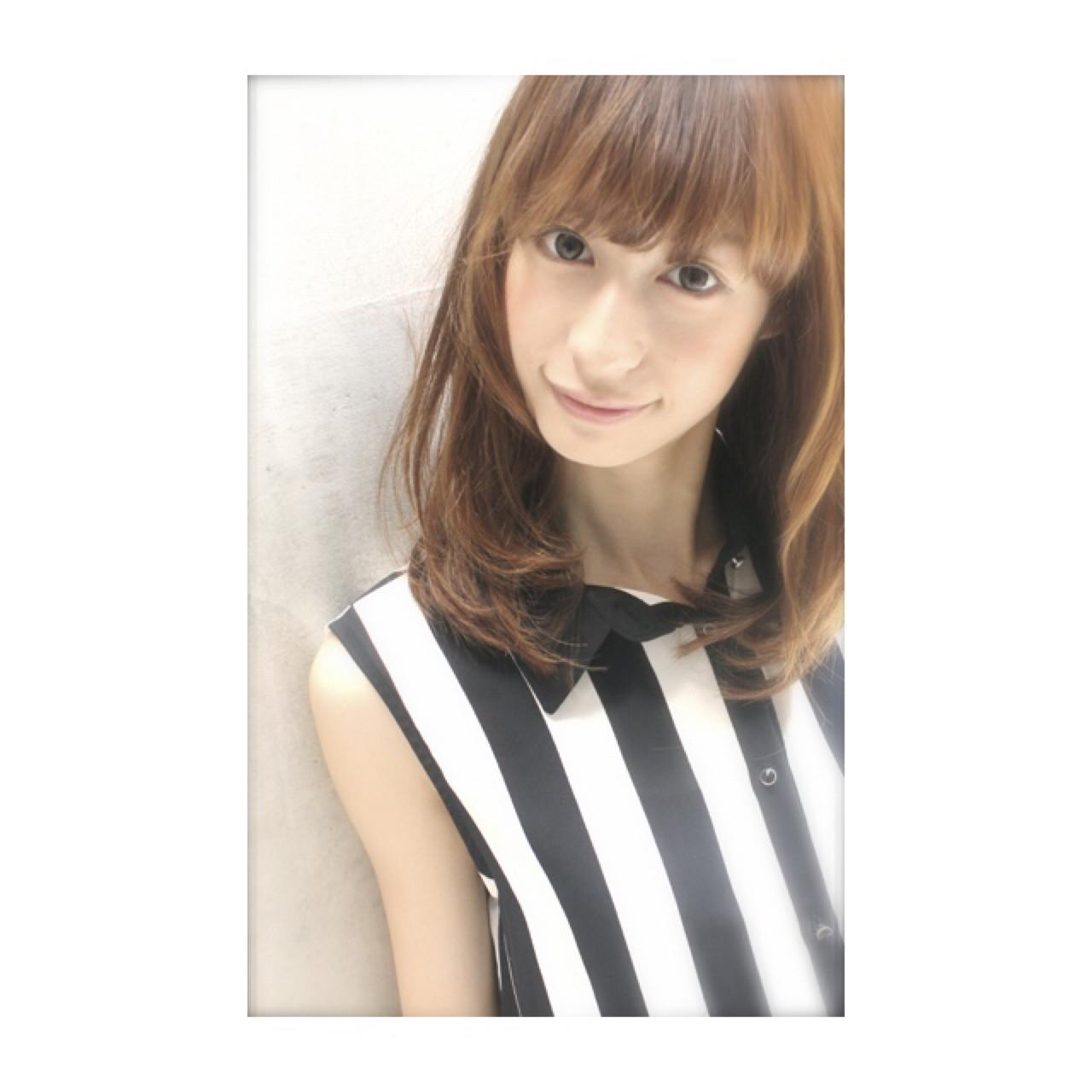 ナチュラル 大人かわいい セミロング アッシュ ヘアスタイルや髪型の写真・画像 | 永田 恭平 /