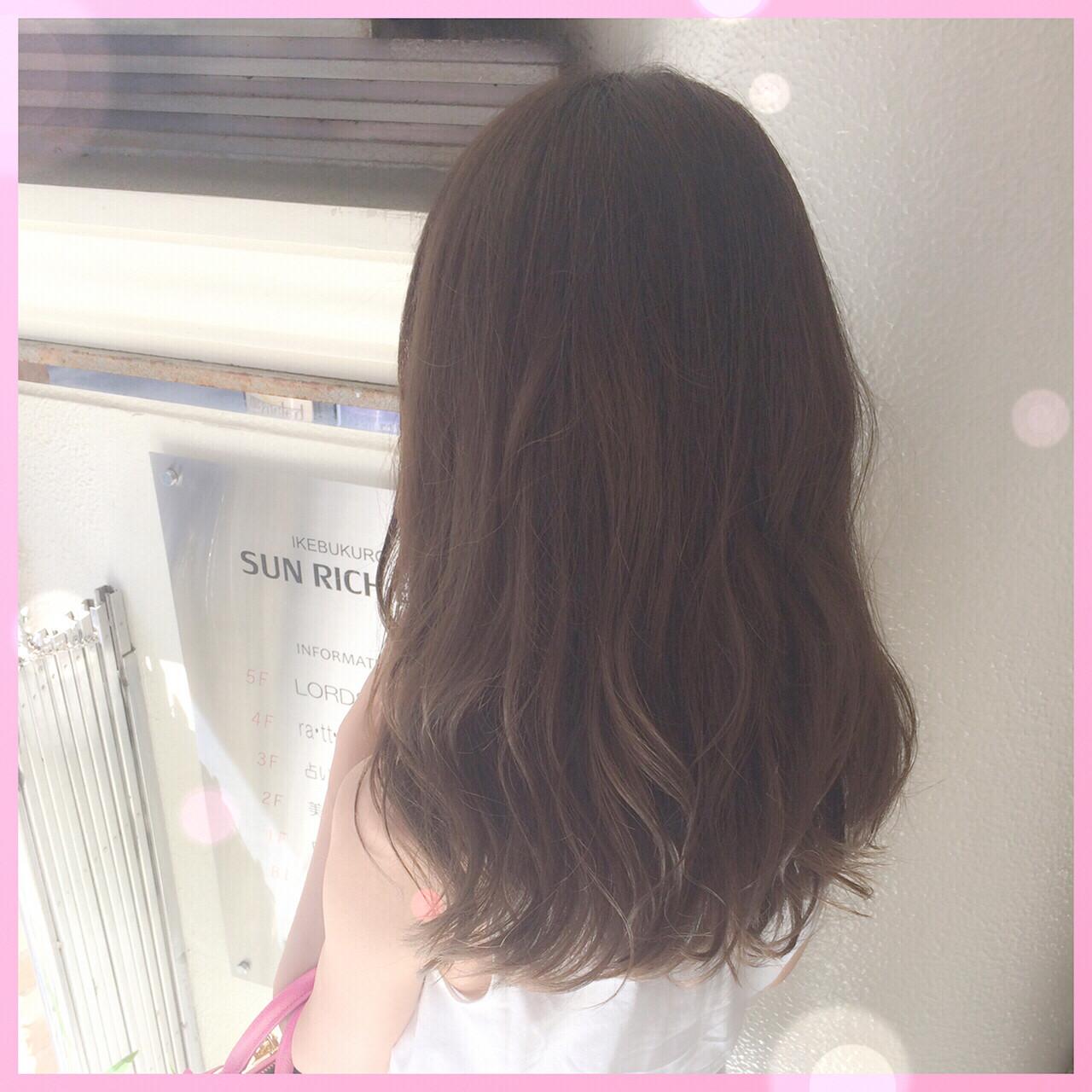 グレージュ グラデーションカラー 外国人風 ナチュラル ヘアスタイルや髪型の写真・画像 | 植原健太 / Euphoria+n