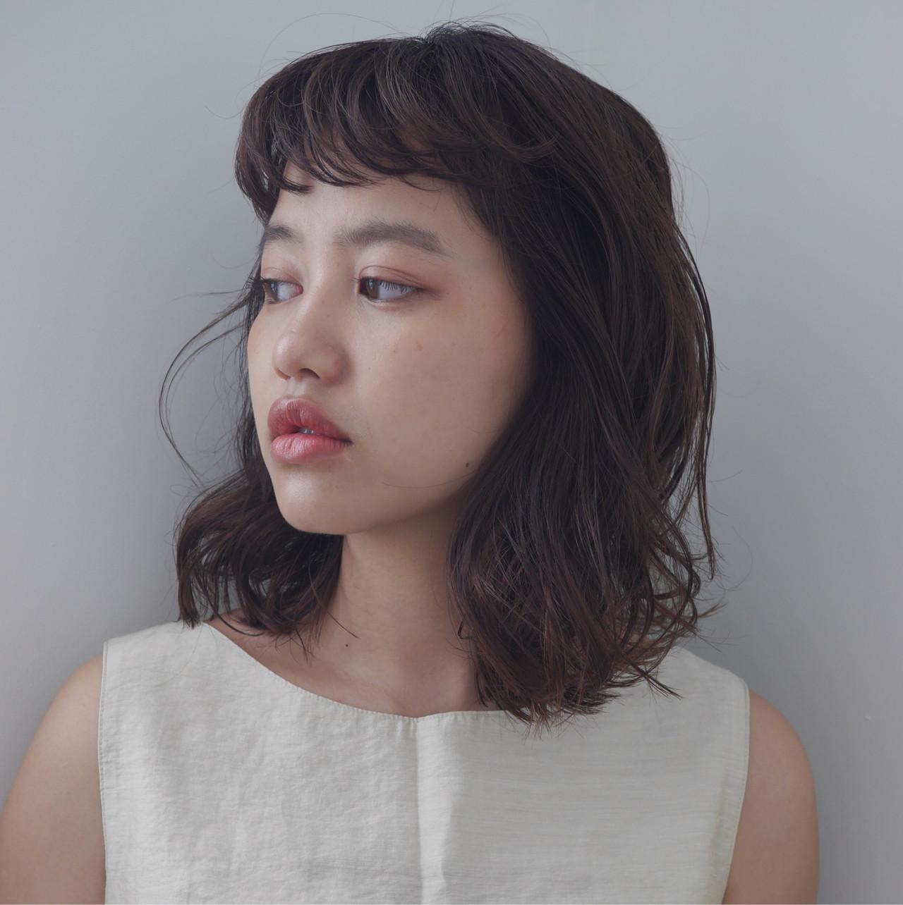 ゆるウェーブ ミディアムヘアー ゆる巻き ゆるナチュラル ヘアスタイルや髪型の写真・画像 | 井浦果歩 / ecouter