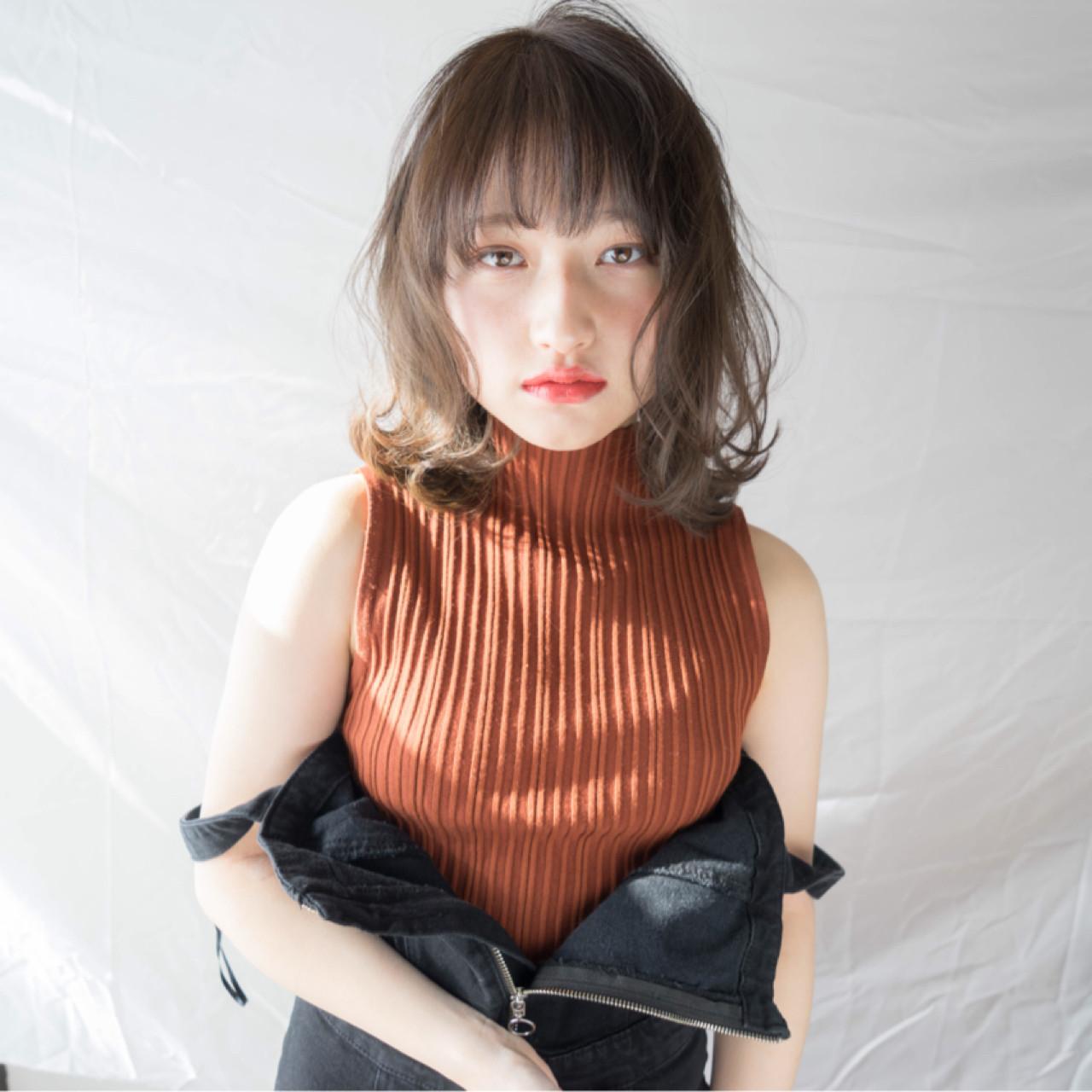 ミディアム 外ハネ デート ナチュラル ヘアスタイルや髪型の写真・画像 | 石田 裕人 / AFLOAT NAGOYA