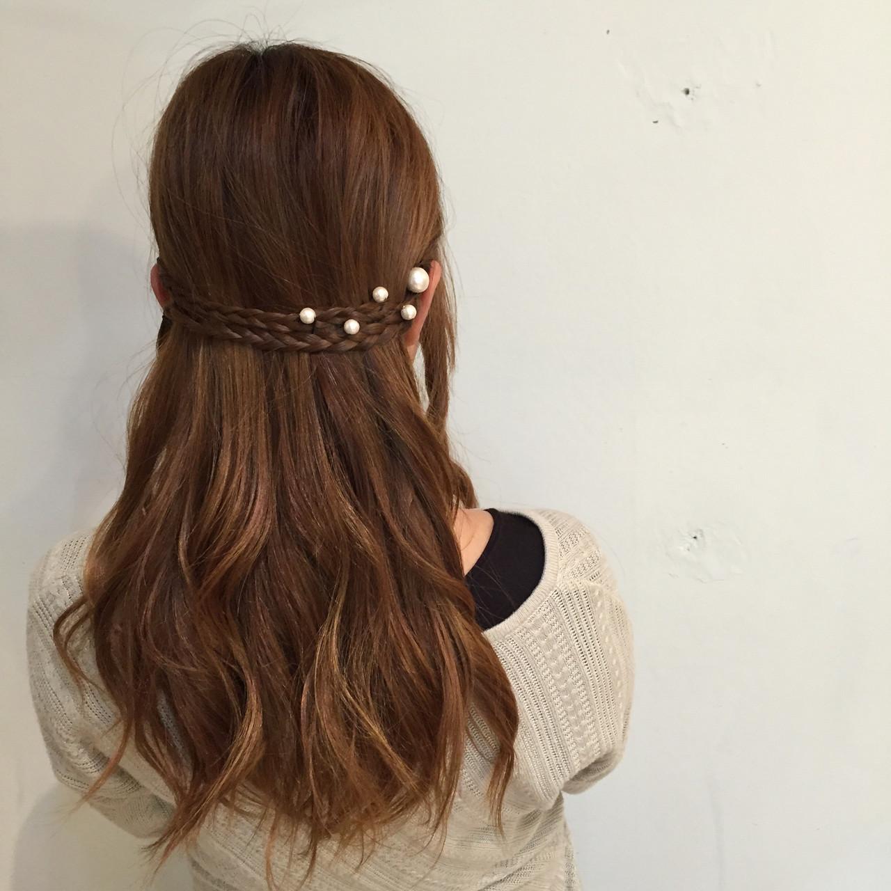 ハーフアップ ヘアセット フェミニン ヘアアレンジ ヘアスタイルや髪型の写真・画像