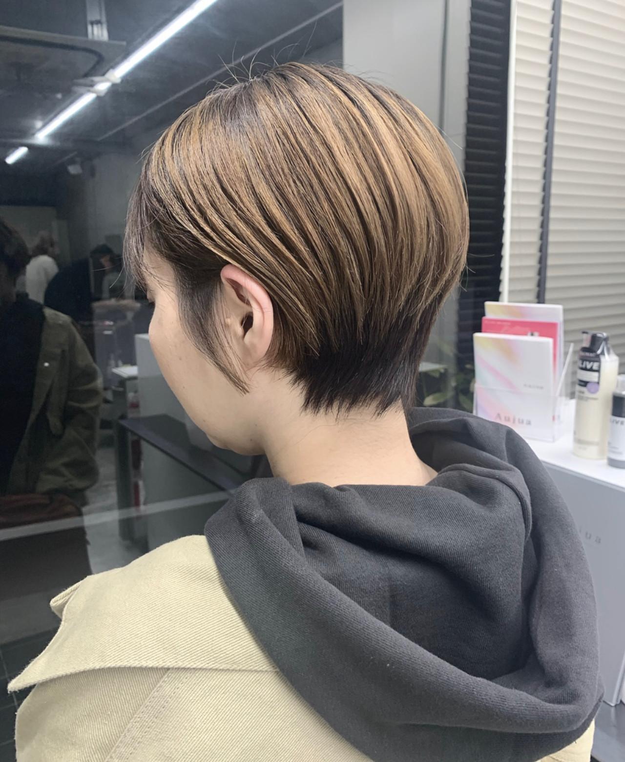 小顔ショート ハンサムショート ショート ナチュラルヘアスタイルや髪型の写真・画像