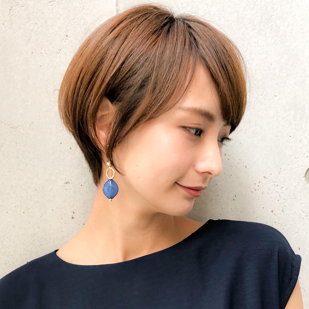 ショート 大人可愛い ショートヘア 流し前髪ヘアスタイルや髪型の写真・画像