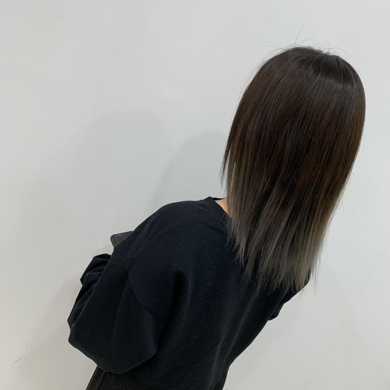 ストレート ストリート ミディアム ブリーチヘアスタイルや髪型の写真・画像