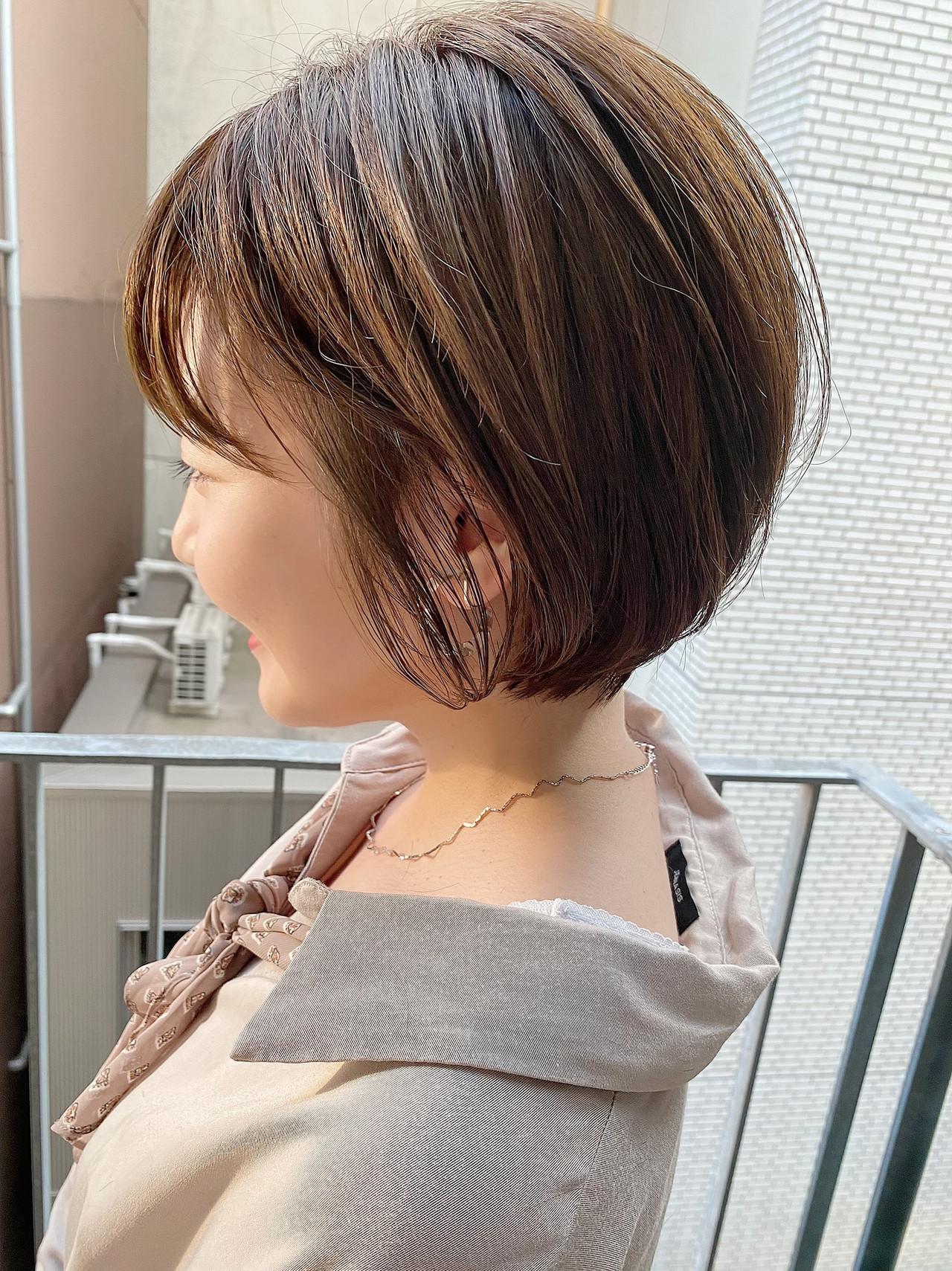 ショートボブ デート オフィス ナチュラル ヘアスタイルや髪型の写真・画像 | 大人可愛い【ショート・ボブが得意】つばさ / VIE