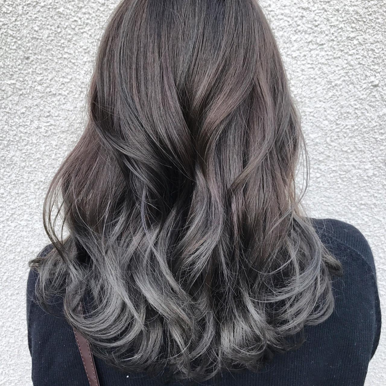 ロング アッシュ グラデーションカラー 外国人風カラーヘアスタイルや髪型の写真・画像