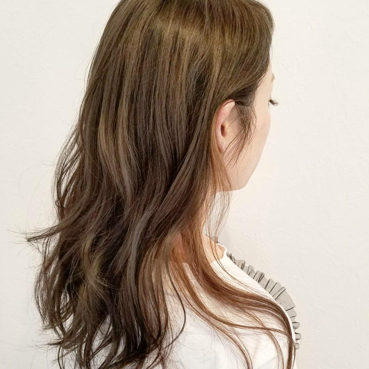 大人かわいい 外国人風 ナチュラル ロング ヘアスタイルや髪型の写真・画像   浅原 有輝 / rough