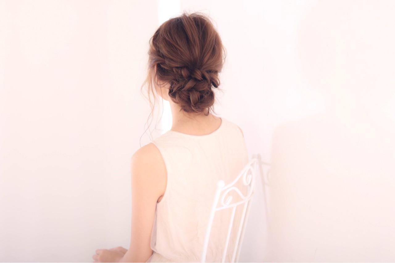 ヘアアレンジ お団子 結婚式 上品ヘアスタイルや髪型の写真・画像