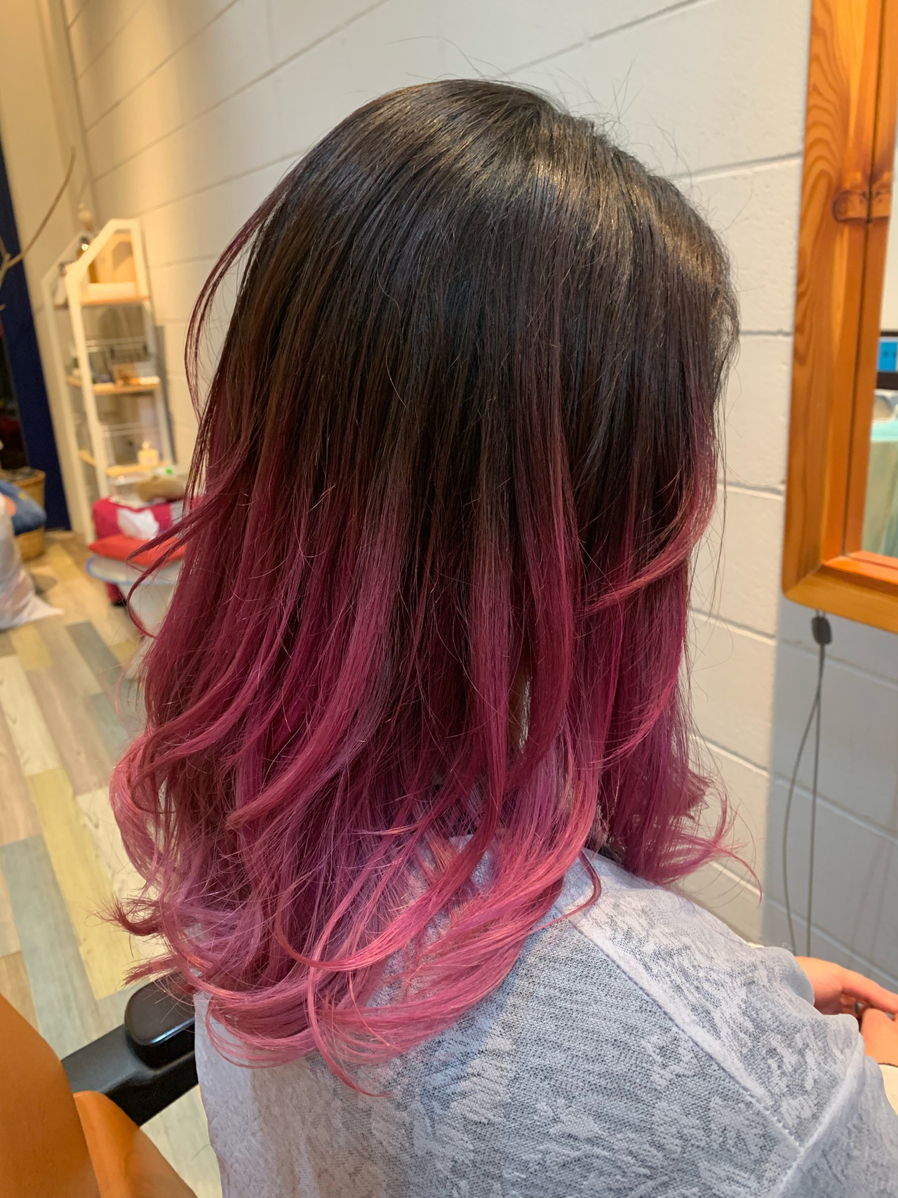 セミロング ストリート ハイトーンカラー グラデーションカラー ヘアスタイルや髪型の写真・画像 | Hatori Masaki / rela hair salon