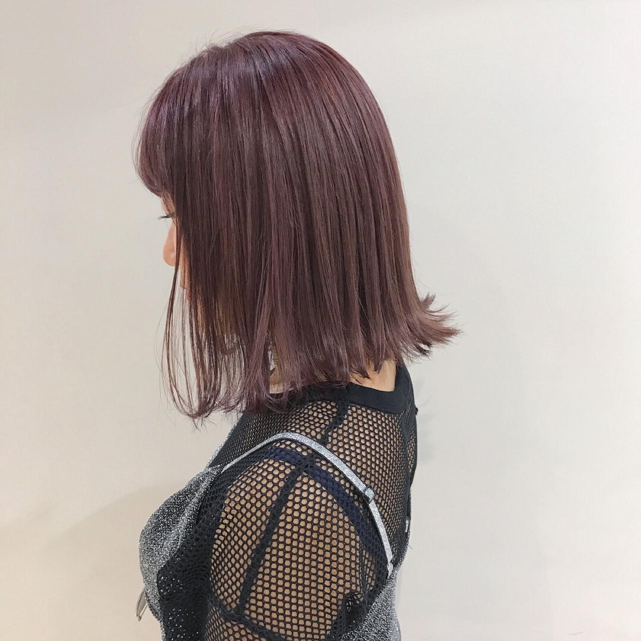 ブリーチ 切りっぱなし ラベンダーアッシュ ミディアムヘアスタイルや髪型の写真・画像