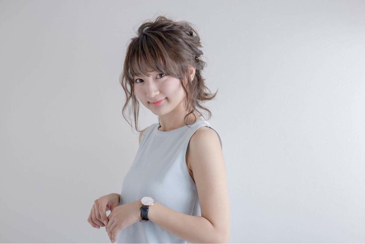ハーフアップ アッシュ ミディアム ヘアアレンジ ヘアスタイルや髪型の写真・画像   秋山 佳奈 /
