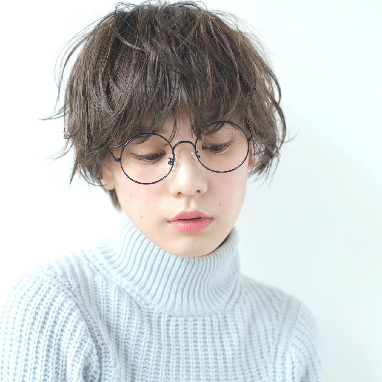 小顔 アッシュ 冬 ショートヘアスタイルや髪型の写真・画像