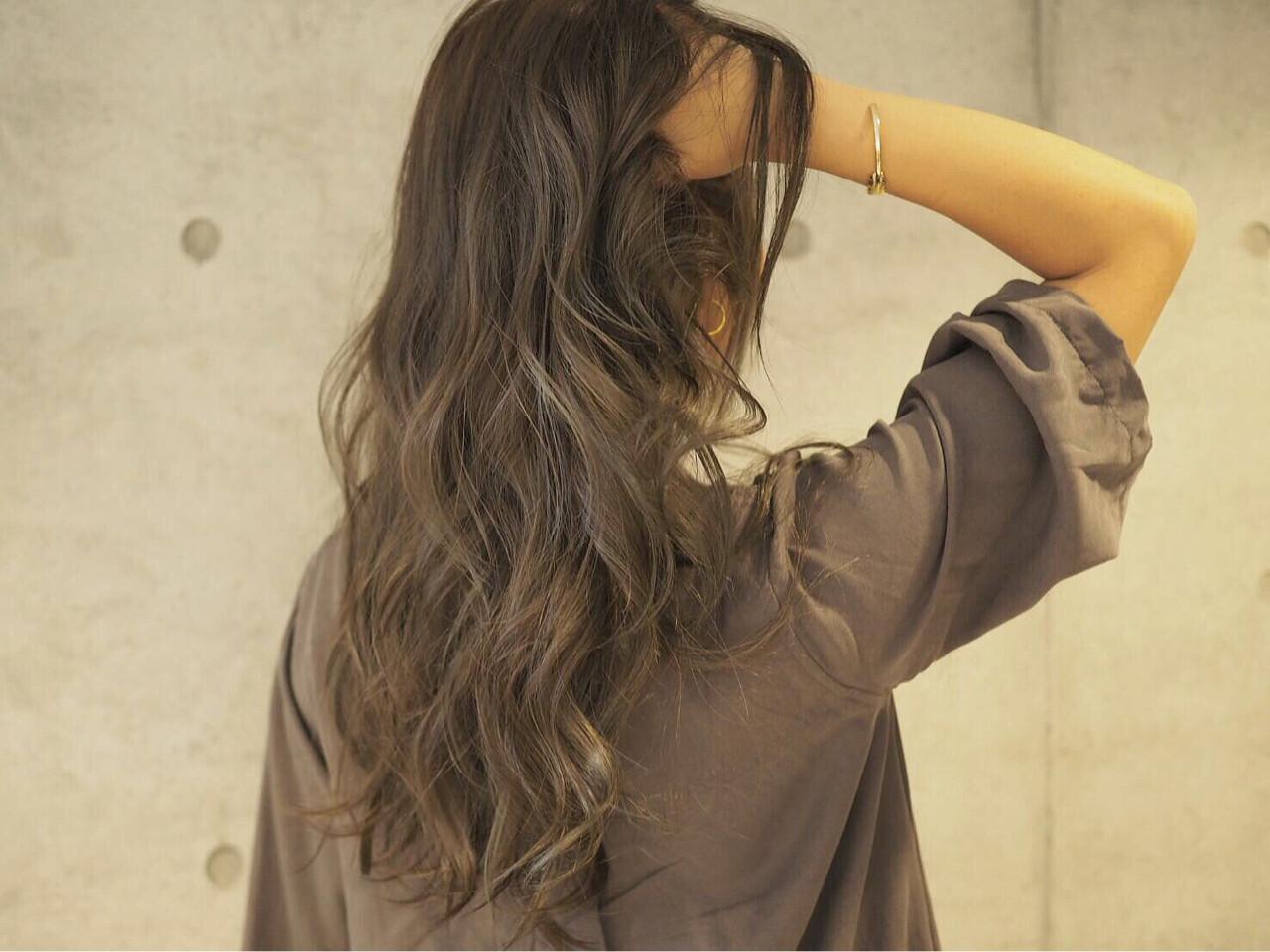 ロング グラデーションカラー アッシュ 外国人風ヘアスタイルや髪型の写真・画像