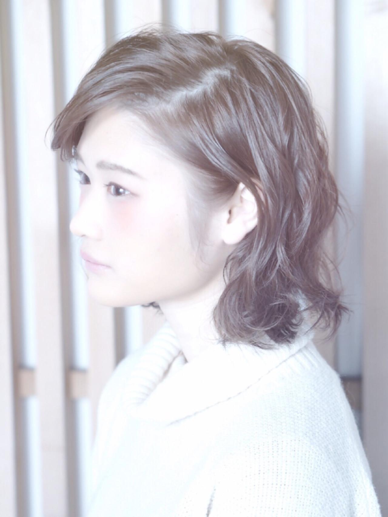 暗髪 ナチュラル 外ハネ アッシュ ヘアスタイルや髪型の写真・画像 | nao /