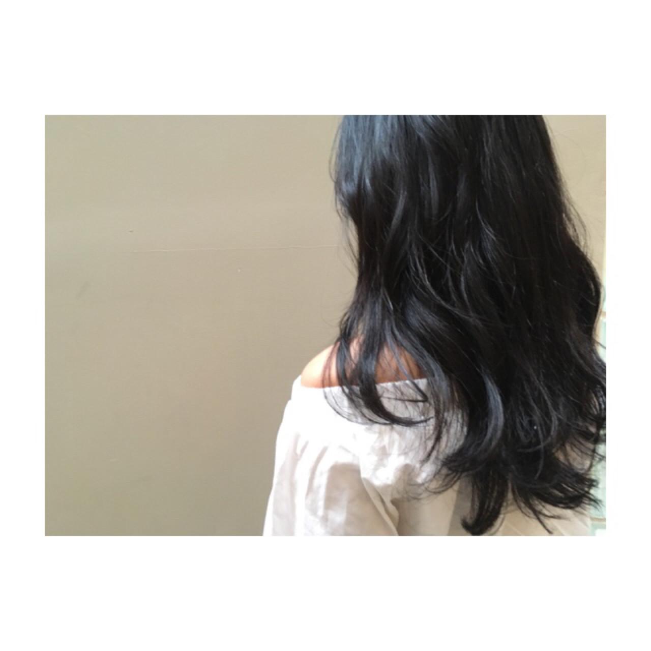 """ただの黒髮じゃない""""アッシュブラック""""にうっとり♡。ブリーチなしでもOK 杉田 麻美"""