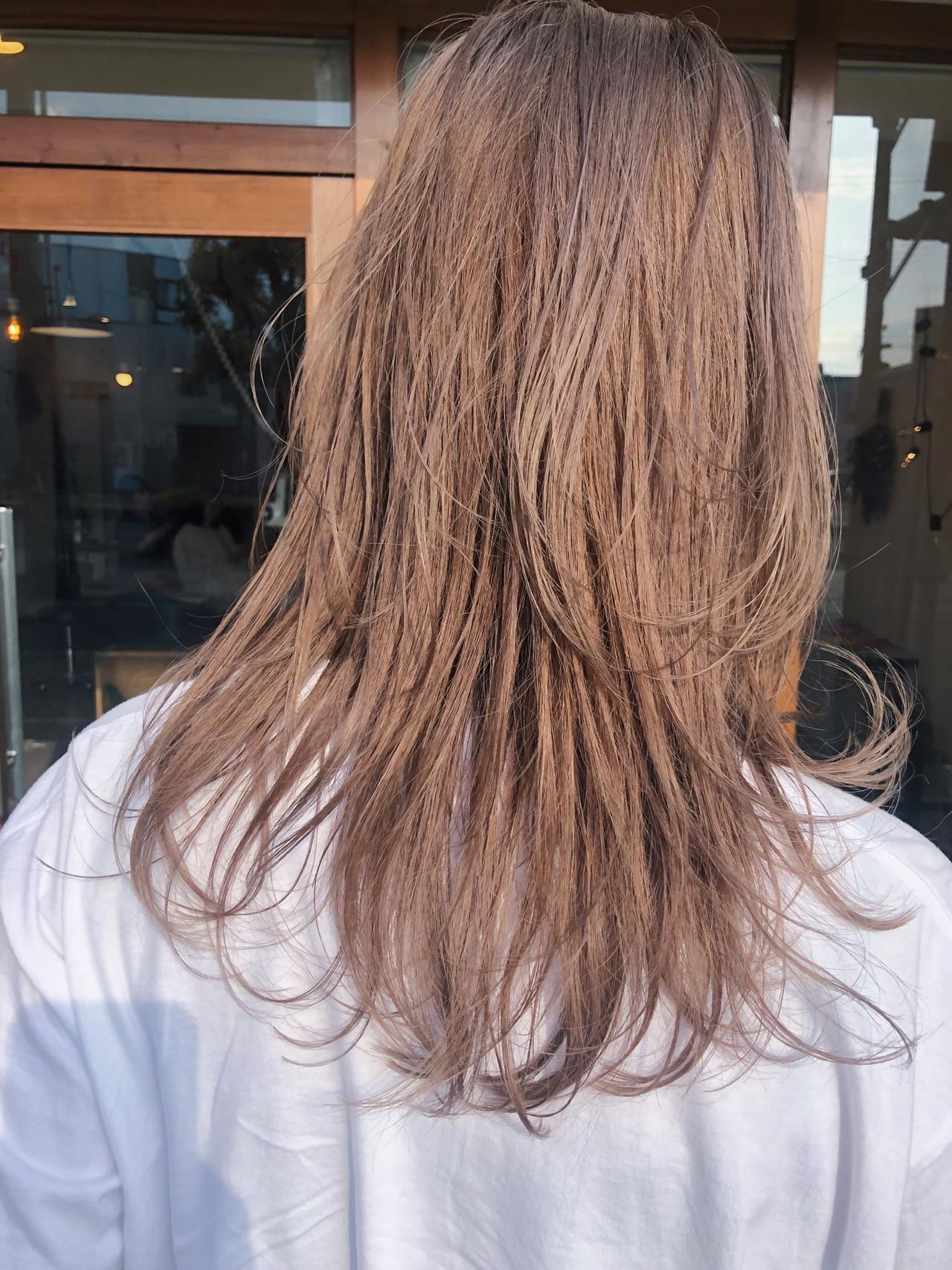 ミルクティーベージュ ナチュラル 簡単ヘアアレンジ 外国人風 ヘアスタイルや髪型の写真・画像   原木翔太 / lufun hair design  ルファン