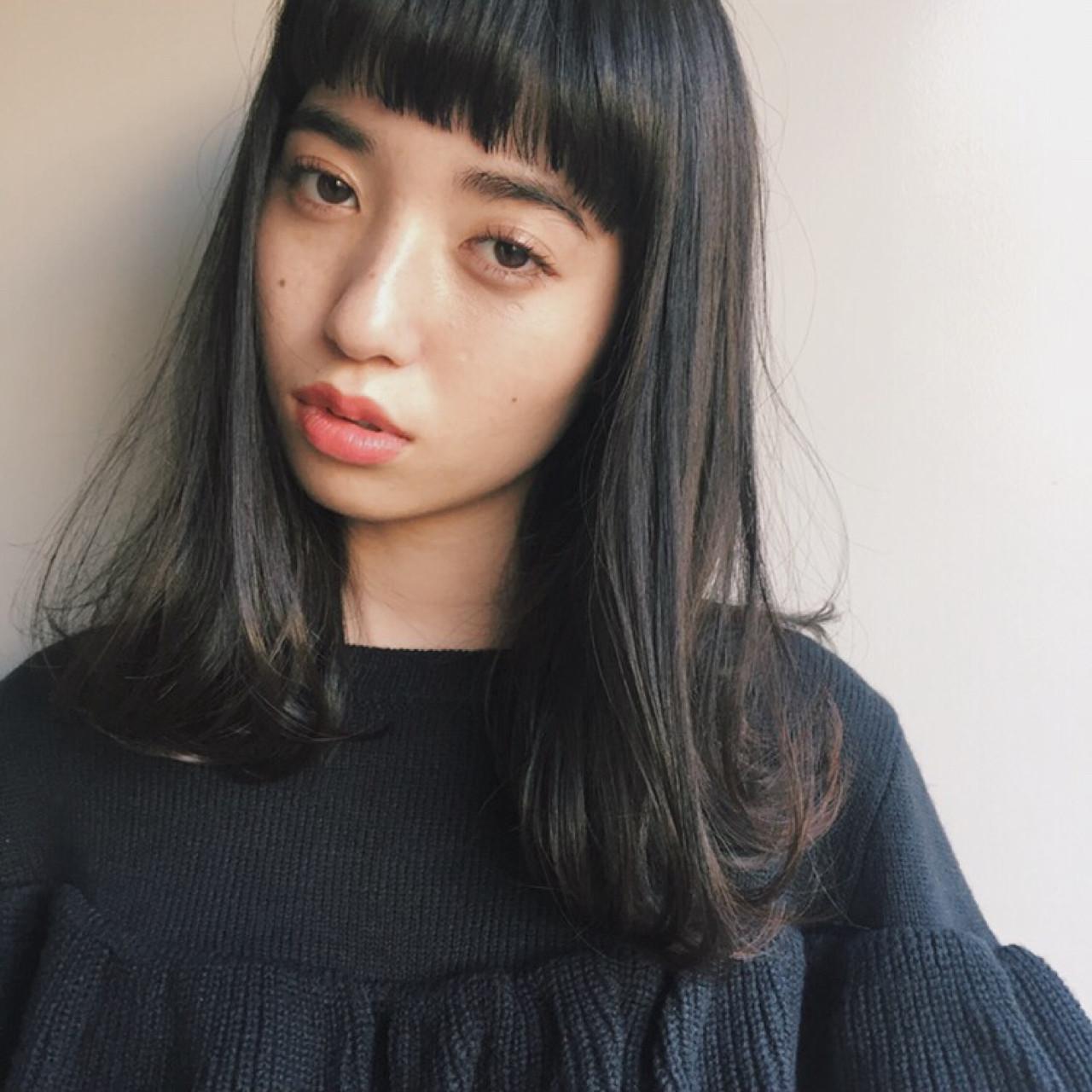 黒髪 ストリート 前髪あり ワイドバング ヘアスタイルや髪型の写真・画像