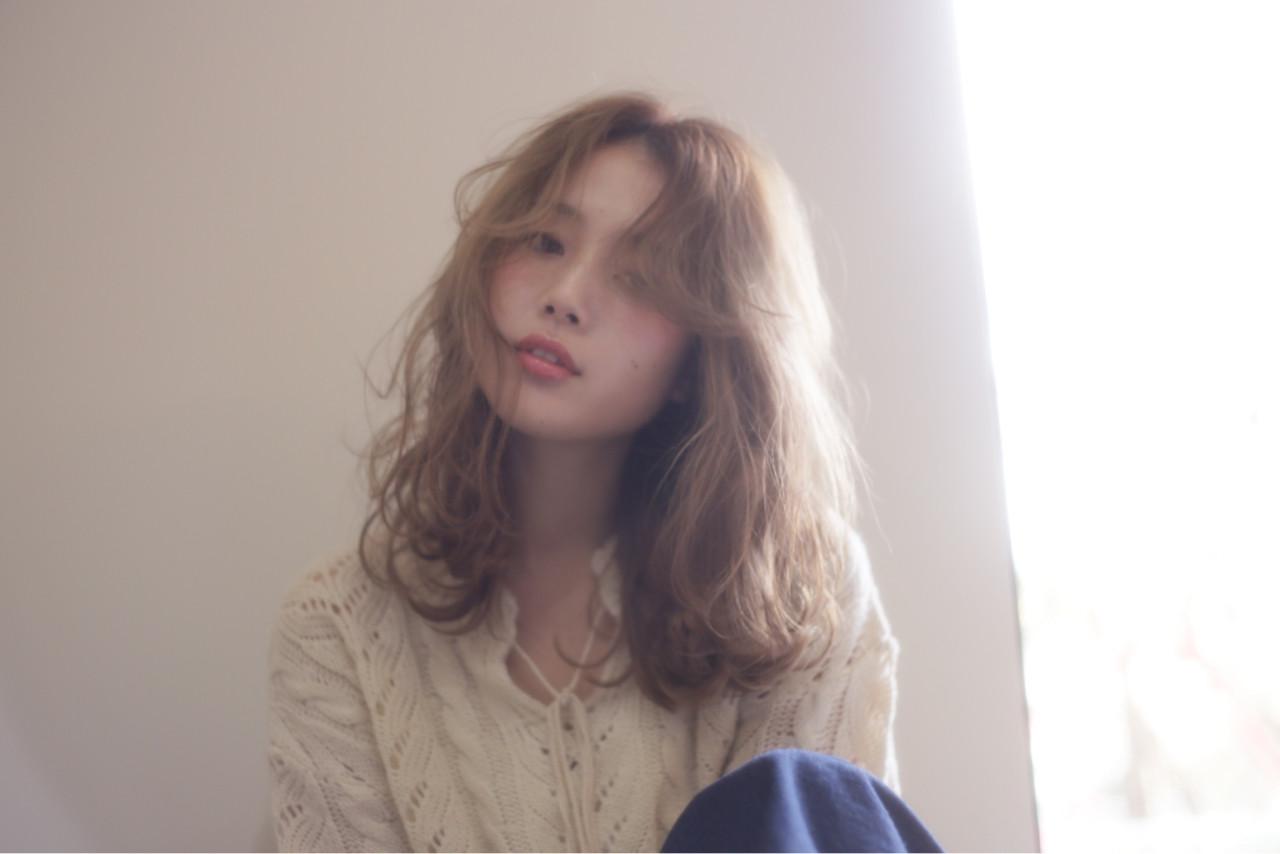 ハイライト パーマ ナチュラル アッシュ ヘアスタイルや髪型の写真・画像 | 本田寿雄 / kith.