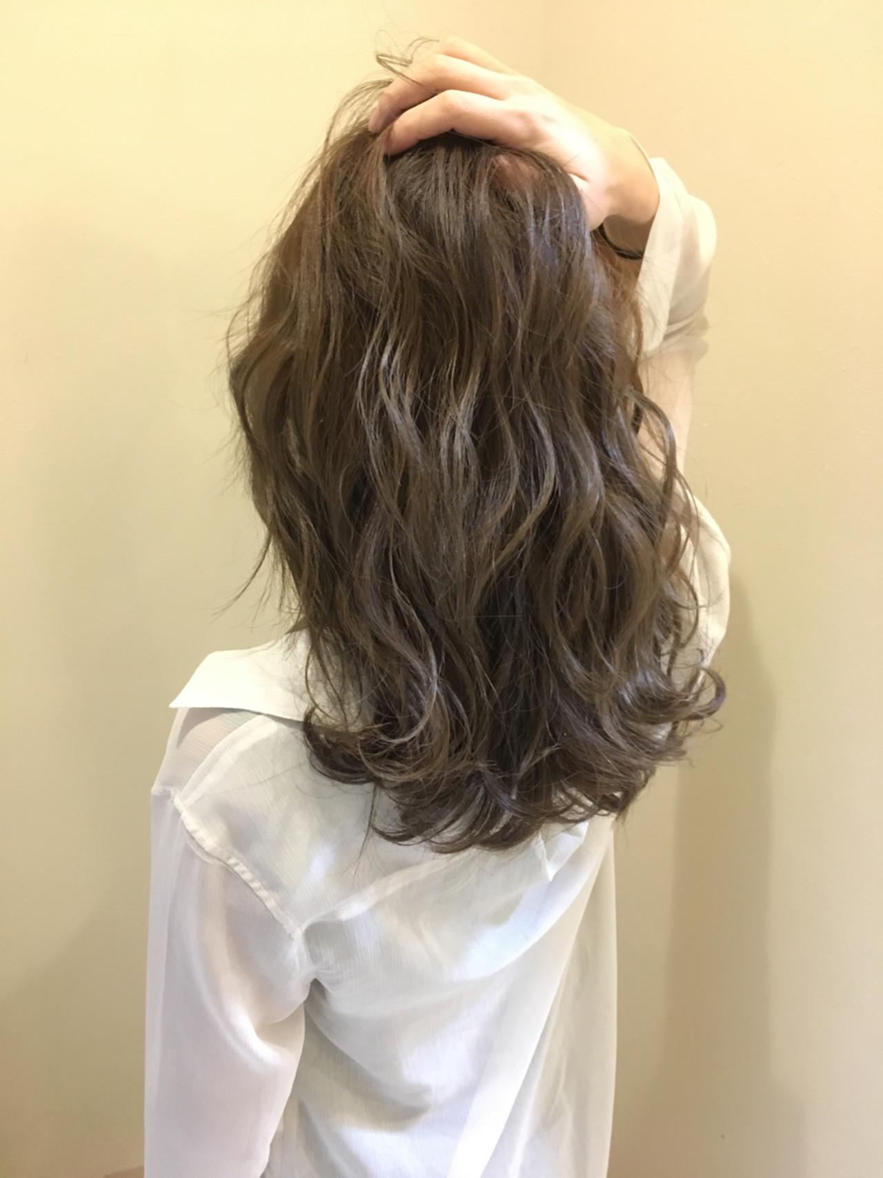 外国人風カラー 上品 モテ髪 エレガントヘアスタイルや髪型の写真・画像