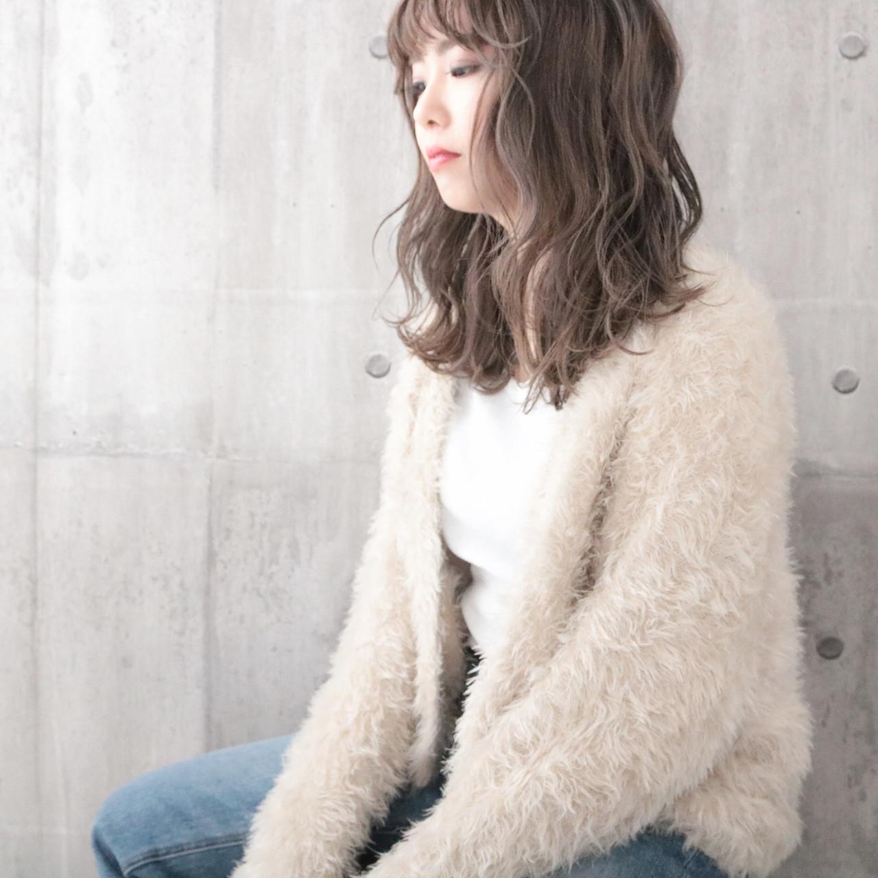 ミルクティーグレージュ ナチュラル 外国人風カラー ロング ヘアスタイルや髪型の写真・画像 | 中村明俊 / HAVANA 天神