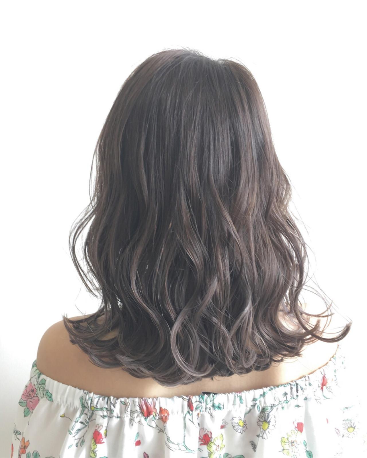外国人風 秋 アンニュイ フェミニン ヘアスタイルや髪型の写真・画像 | Yuuta Asato / Moana by HEADLIGHT 沖縄東崎店