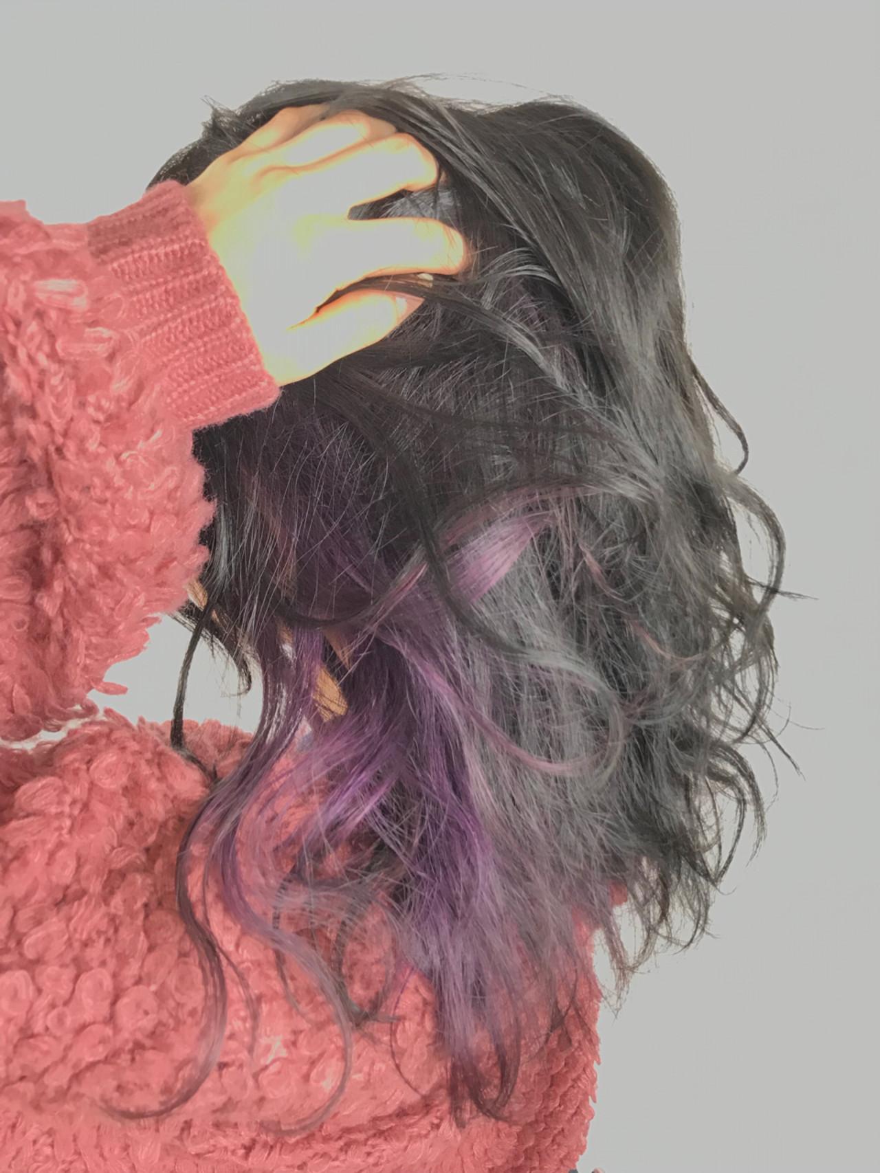 ハイトーン ミディアム パープル フェミニンヘアスタイルや髪型の写真・画像