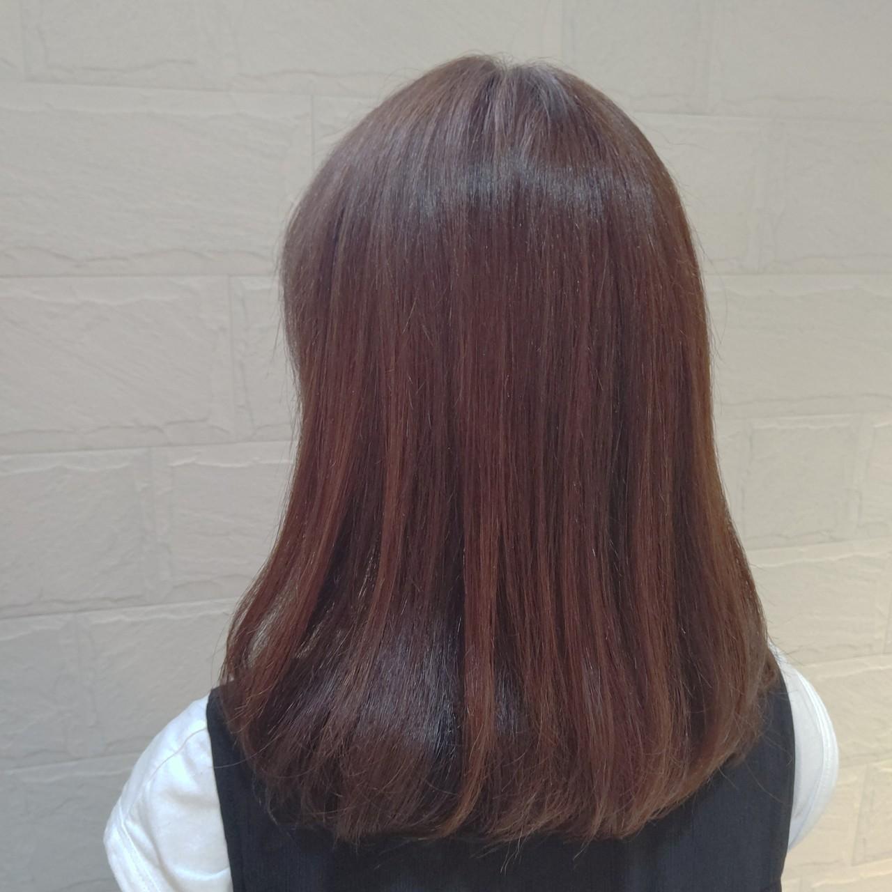 オレンジカラー オレンジ オレンジブラウン ミディアムヘアスタイルや髪型の写真・画像