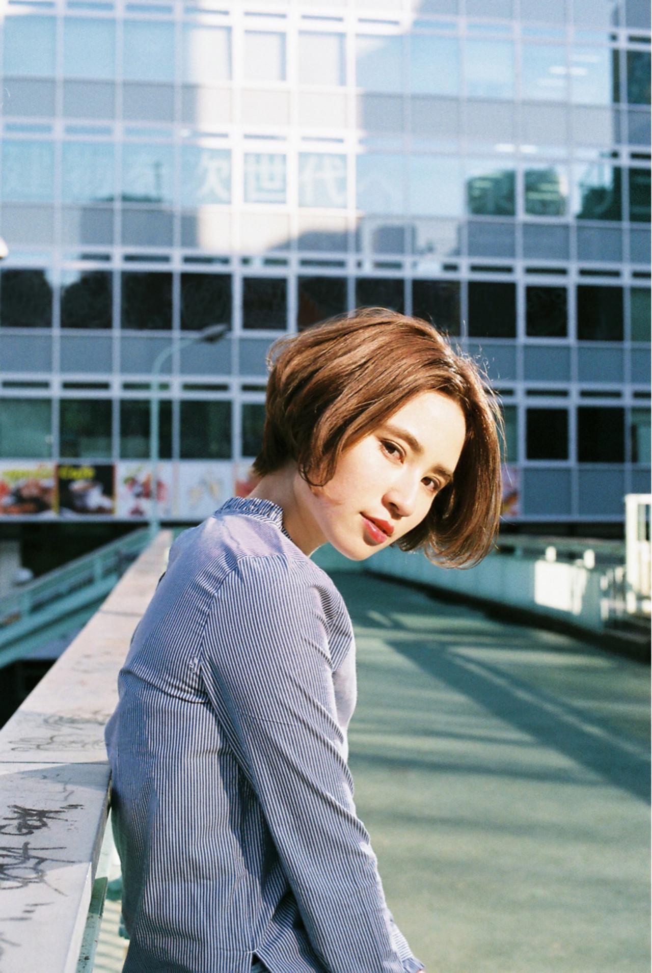 ナチュラル ショート 色気 大人かわいい ヘアスタイルや髪型の写真・画像 | 菅沼宏恵 /