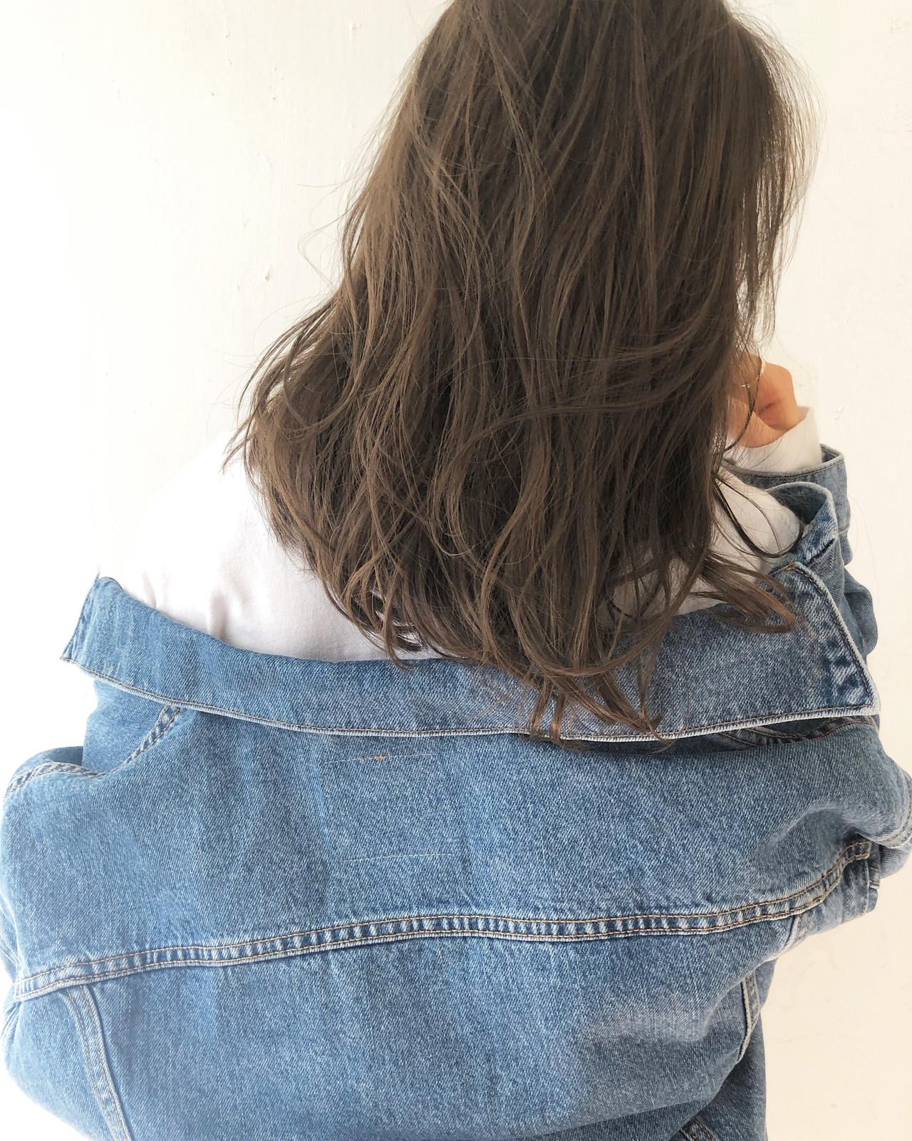 ベージュ ブラウン ヘルシー アンニュイ ヘアスタイルや髪型の写真・画像 | yuto / SWAG.