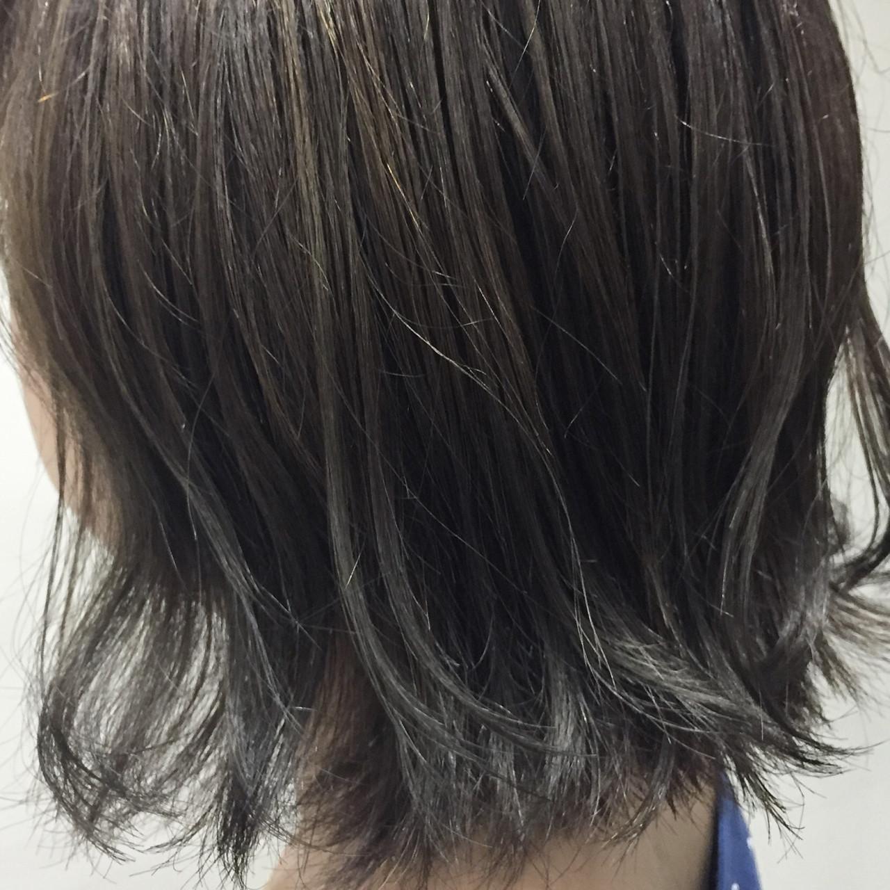 ガーリー ハイライト アッシュ 切りっぱなし ヘアスタイルや髪型の写真・画像 | 藤井 京介 / allys hair 心斎橋OPA 10F