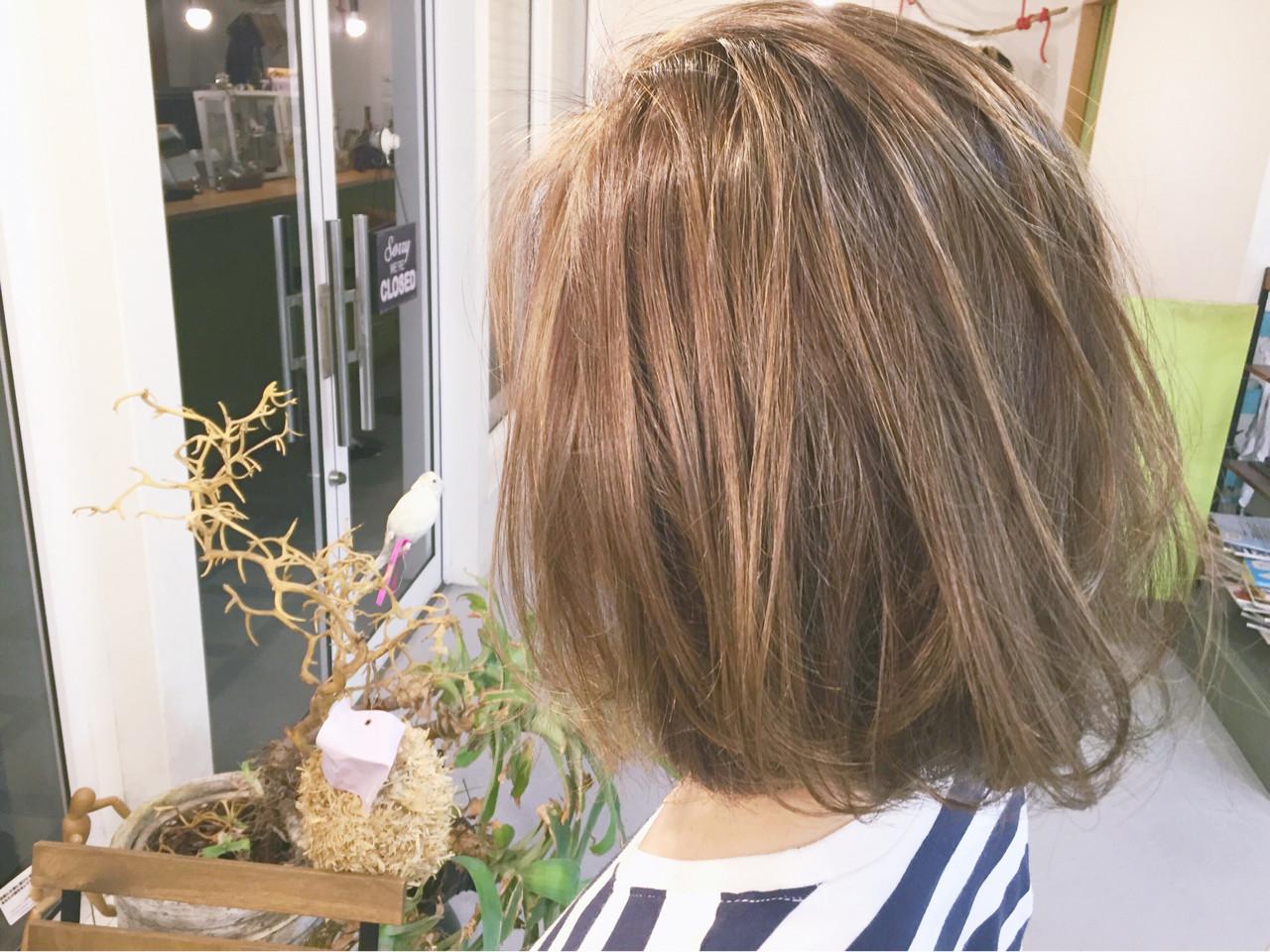 ハイライト ボブ 外ハネ 外国人風 ヘアスタイルや髪型の写真・画像 | 原木翔太 / lufun hair design  ルファン