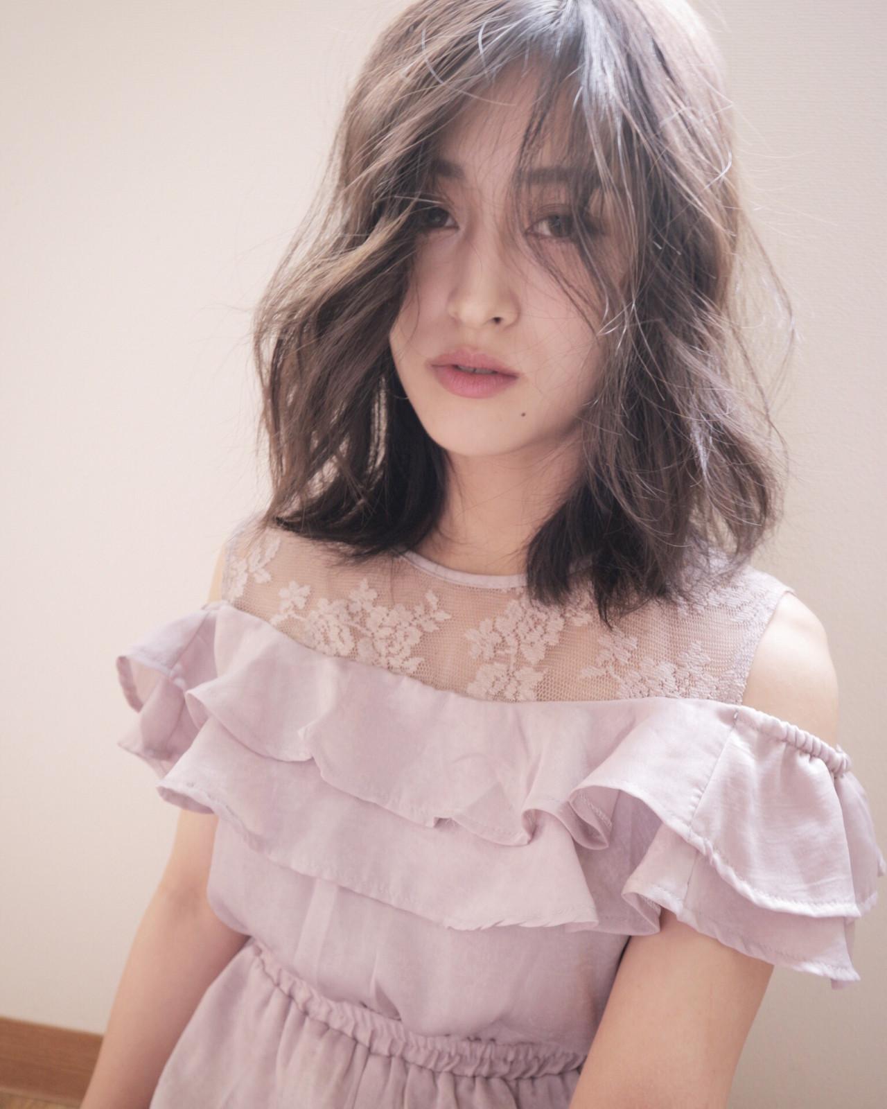 外国人風フェミニン ヌーディベージュ ナチュラルベージュ ナチュラル ヘアスタイルや髪型の写真・画像 | Takashi Tetone / SHIKIO HAIR DESIGN