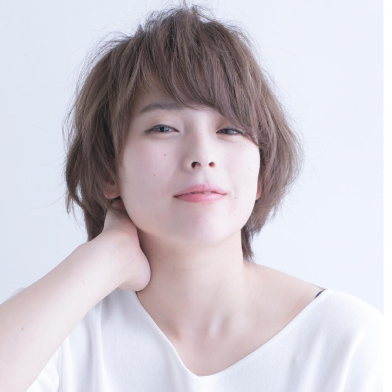 フェミニン 似合わせ ゆるふわ アッシュ ヘアスタイルや髪型の写真・画像 | 岡崎 昭太郎 / エクストラアーツジャパン
