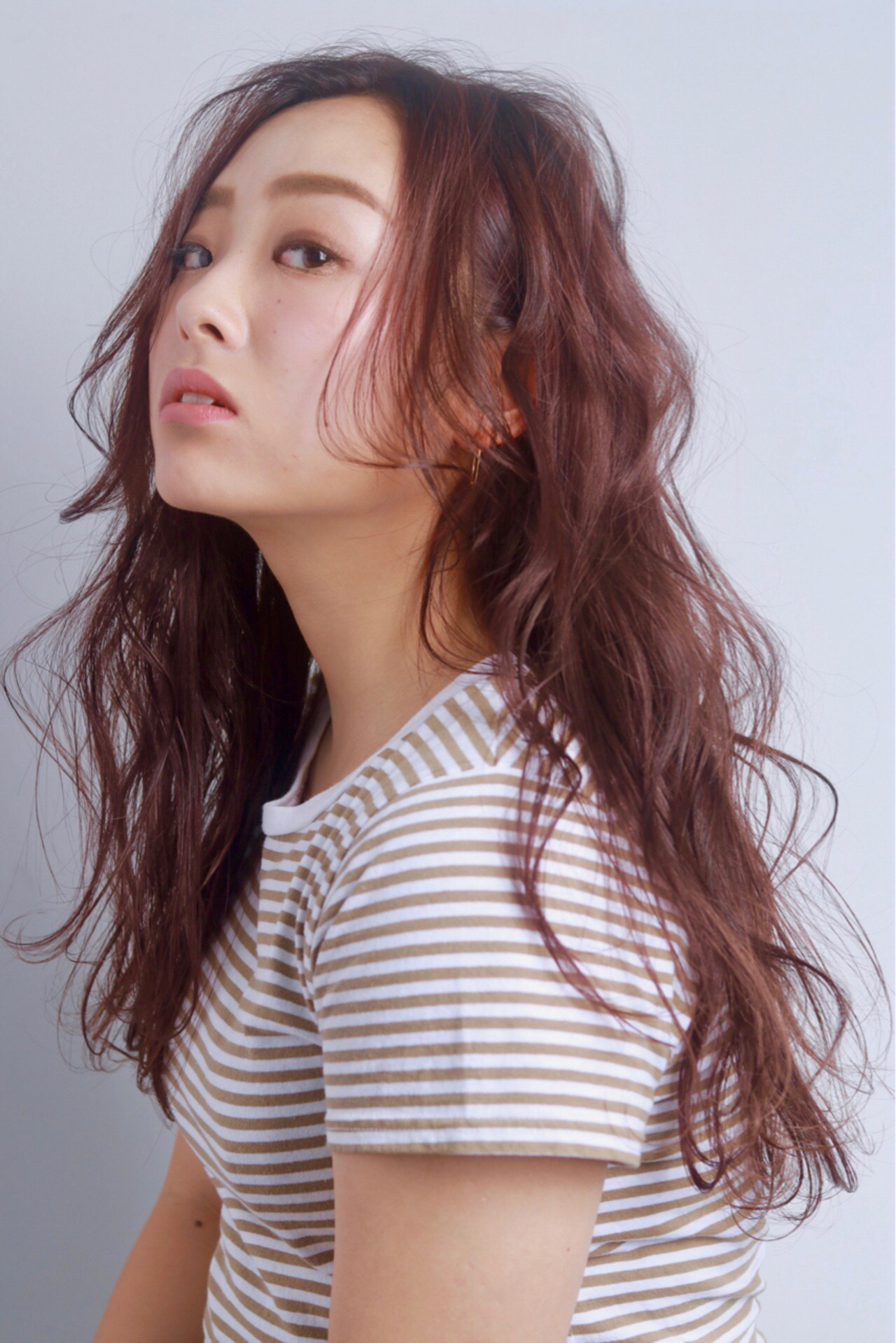ピンク ウェーブ レッド エレガント ヘアスタイルや髪型の写真・画像   村西 郁人 / rue