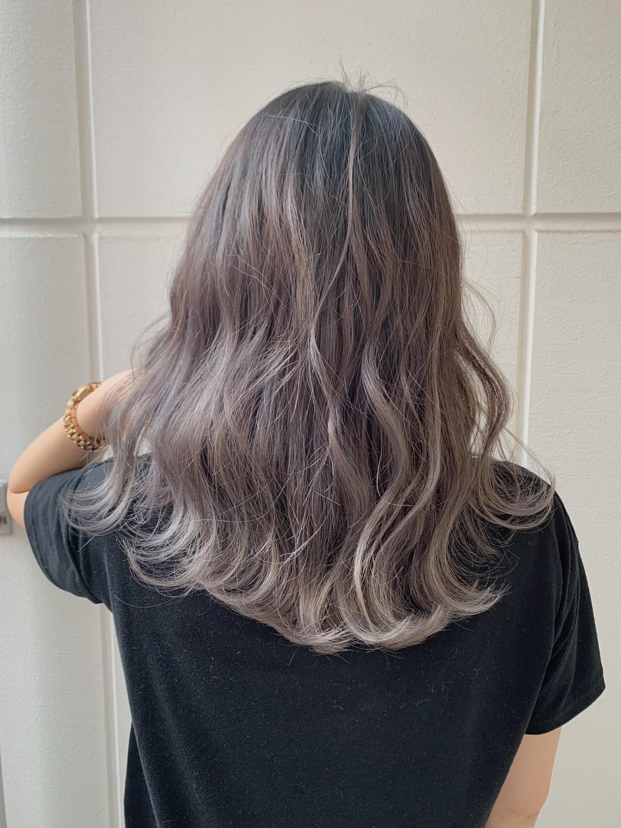 ヘアアレンジ ミディアム ラベンダーアッシュ デートヘアスタイルや髪型の写真・画像
